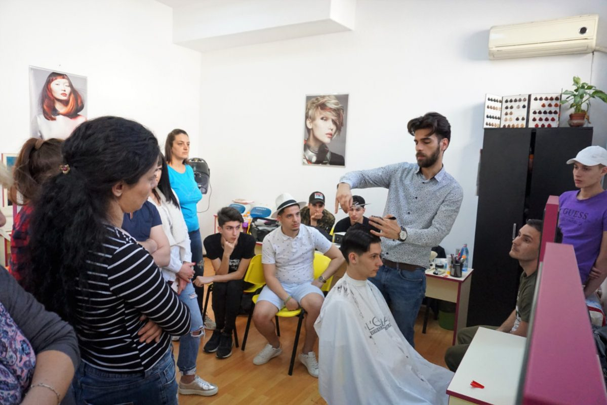 Curs Frizer Bucuresti Investeste In Viitorul Tau Centrul Athena