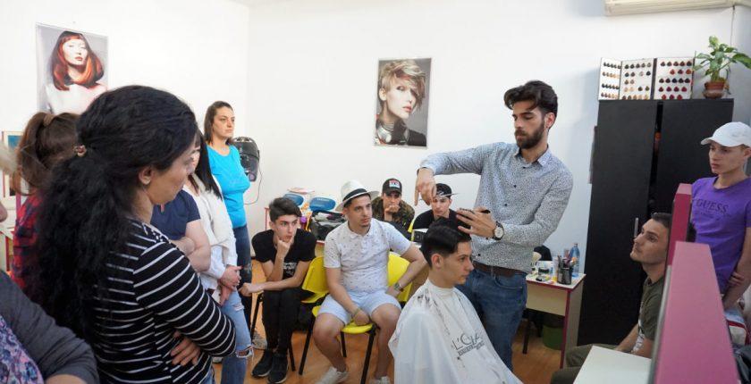 Curs frizer practica - Centrul Athena