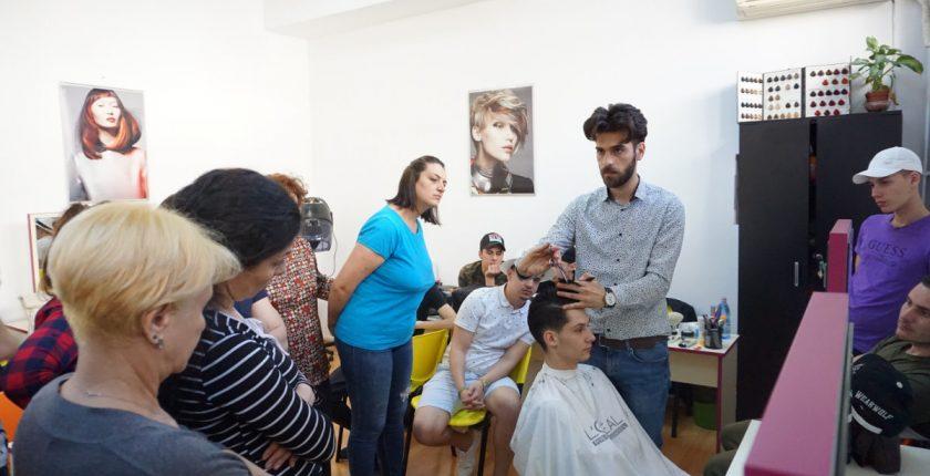 Cursuri frizer practica - Centrul Athena