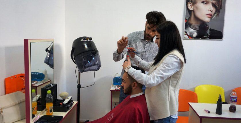 Practica curs frizer asistenta formator - Centrul Athena