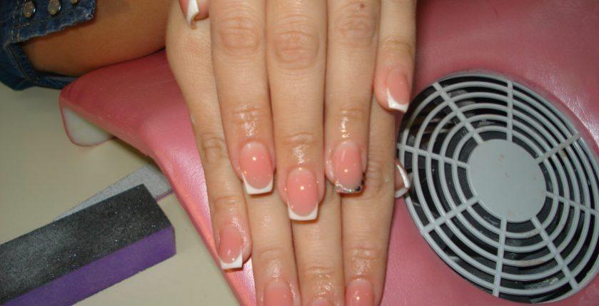 Practica cursuri unghii false