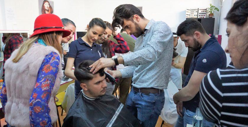 Scoala frizer practica - Centrul Athena